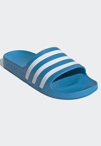 adidas Originals - ADILETTE AQUA SWIM - Kapcie - blue - 2