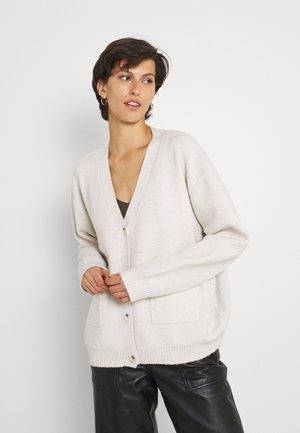 RITA CARDI BOYFRIEND FIT CARDI - Vest - cream