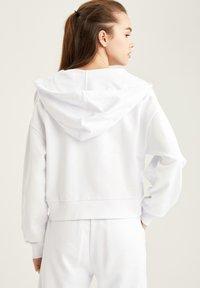 DeFacto - Zip-up hoodie - white - 1