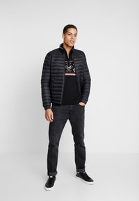 Tommy Hilfiger - CORE PACKABLE JACKET - Untuvatakki - jet black - 1