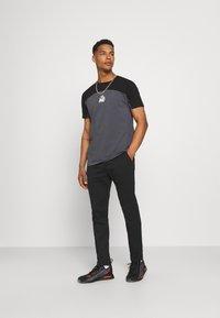 Replay - PANTS - Trousers - black - 1