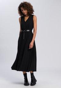 Marc Aurel - Maxi dress - black - 0