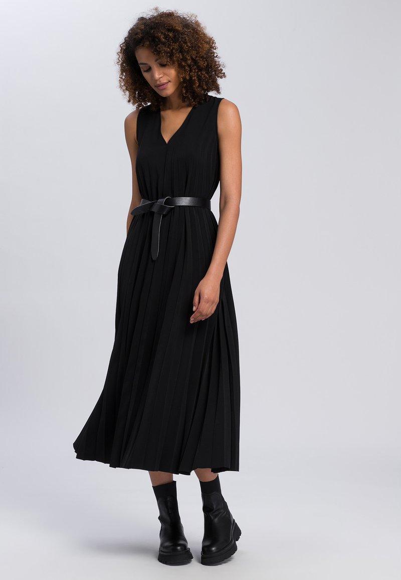 Marc Aurel - Maxi dress - black