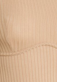 New Look - CARLEY SEAM DETAIL BODY - T-shirt à manches longues - camel - 2