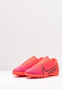 Nike Performance - MERCURIAL VAPOR 13 ACADEMY TF - Astro turf trainers - laser crimson/black - 2