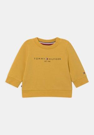 ESSENTIAL UNISEX - Felpa - yellow