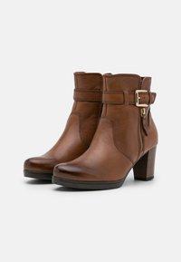 Gabor Comfort - Platform ankle boots - cognac - 2