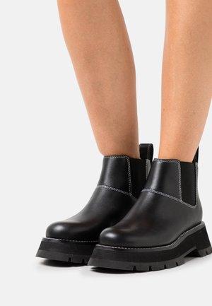 KATE SHORT LUG SOLE COMBAT  - Botines bajos - black