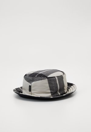 Hat - white/black