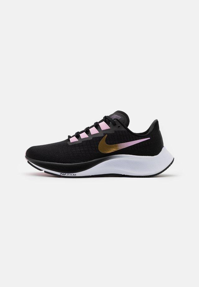 AIR ZOOM PEGASUS 37 - Obuwie do biegania treningowe - black/metallic red bronze/light arctic pink/white