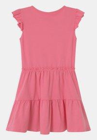 Lemon Beret - SMALL GIRLS - Žerzejové šaty - azalea pink - 1