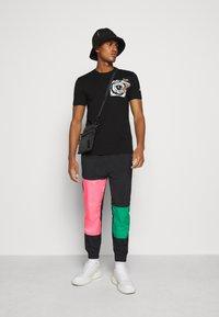 Iceberg - FUTURE - Print T-shirt - nero - 1