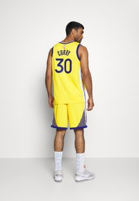 Nike Performance - NBA GOLDEN STATE WARRIORS STEPH CURRY SWINGMAN - Article de supporter - amarillo/white/rush blue - 2