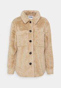 Noisy May Petite - NMSUZZI JACKET PETITE - Light jacket - tan - 0