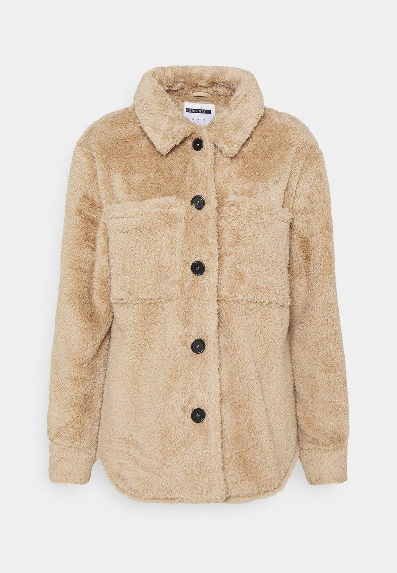 Noisy May Petite - NMSUZZI JACKET PETITE - Light jacket - tan