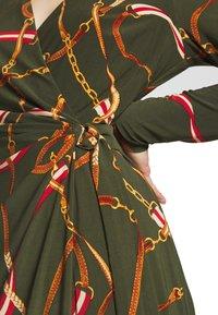 Lauren Ralph Lauren - PRINTED MATTE DRESS TRIM - Robe en jersey - oliva/red - 6