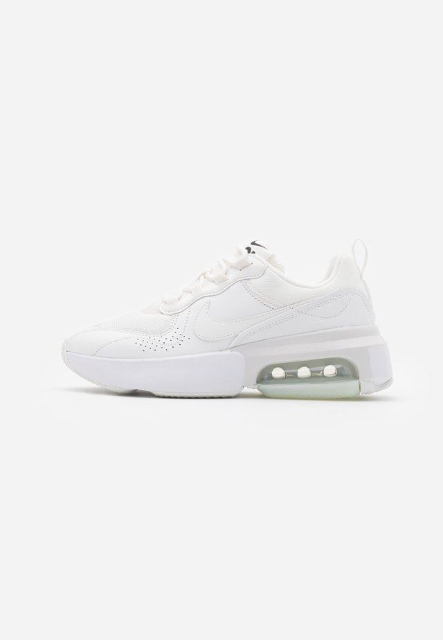 AIR MAX VERONA - Matalavartiset tennarit - summit white