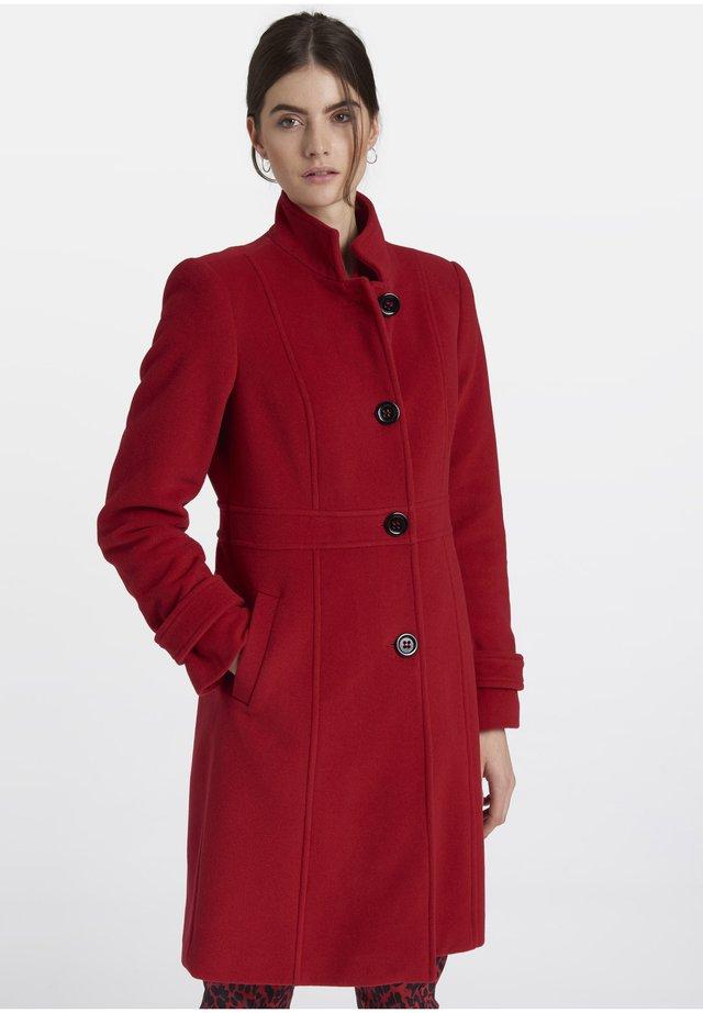 MIT KLEINEM STEHKRAGEN - Classic coat - red