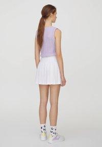 PULL&BEAR - Spódnica trapezowa - white - 9