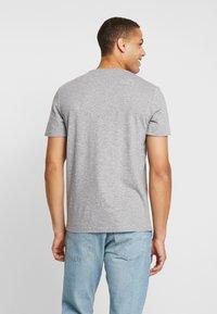 TOM TAILOR - T-shirt med print - sky captain blue/ white melange - 2