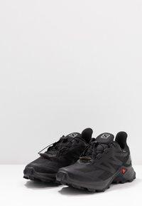 Salomon - SUPERCROSS BLAST GTX - Trail running shoes - black - 2