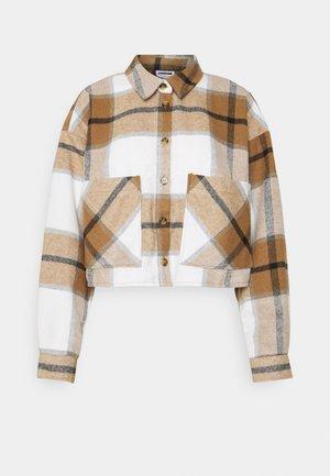 NMFLANNY SEMI CROPPED SHACKET  - Summer jacket - light brown/black