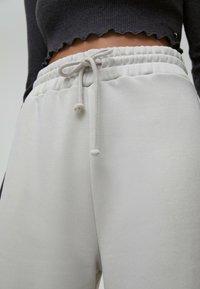 PULL&BEAR - Tracksuit bottoms - grey - 4
