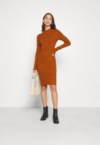 Even&Odd - Pouzdrové šaty - brown - 3