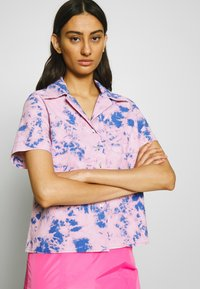 Neuw - ACID HOUSE - Button-down blouse - flamingo blue - 3