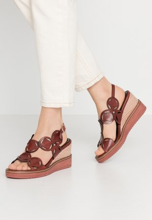 Platform sandals - granata