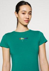 Ellesse - ROSEMUND TEE - T-shirts print - green - 3