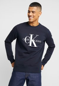 Calvin Klein Jeans - ICONIC MONOGRAM CREWNECK - Sweatshirt - night sky - 0