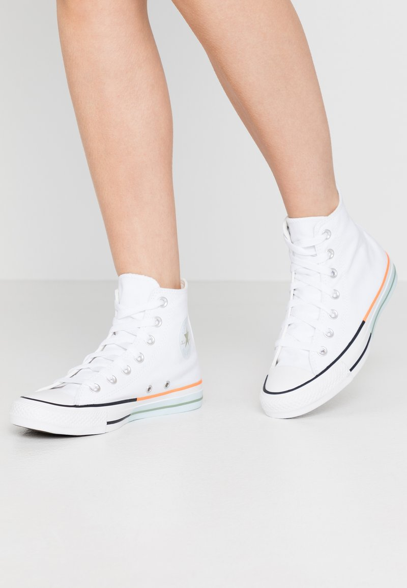 Converse - CHUCK TAYLOR ALL STAR - Sneakersy wysokie - white/street sage/agate blue