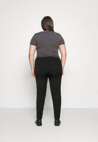 CAPSULE by Simply Be - EVERYDAY KATE SLIM LEG TROUSER - Trousers - black - 2