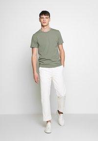 Filippa K - TEE - Basic T-shirt - platoone - 1