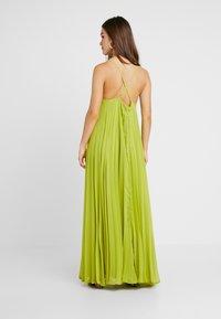 Missguided Petite - STRAPPY PLEATED DRESS - Vestido largo - acid lime - 3