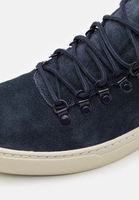 Timberland - ADV 2.0 CUPSOLE ALPINE - Trainers - navy - 5