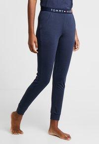 Tommy Hilfiger - ORIGINAL CUFFED PANT - Pyjama bottoms - navy blazer - 0