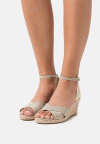 Tamaris - Wedge sandals - pistacchio - 0