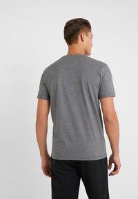 Les Deux - ENCORE  - Print T-shirt - charcoal melange/black - 2