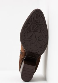 Pinto Di Blu - Ankle boots - cognac - 6