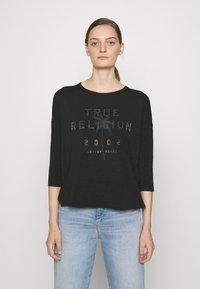 True Religion - BOXY CREW NECK  PALM TREE BLACK - Top sdlouhým rukávem - black - 0