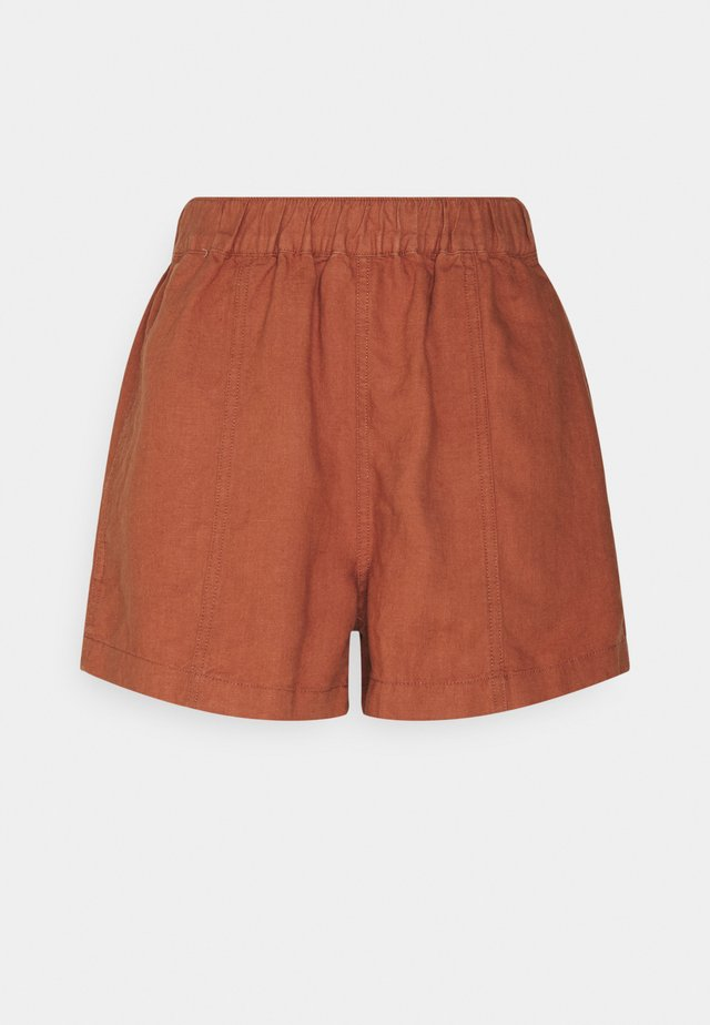 PULL ON W SEAM IN SEASIDE - Shorts - afterglow red