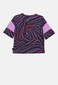 Molo - ODESSA - T-shirt imprimé - bordeaux/dark blue/lilac - 1