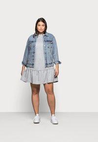 New Look Curves - DROP HEM DRESS - Denní šaty - grey niu - 1