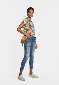 Desigual - COLOMBIA - Print T-shirt - brown - 1