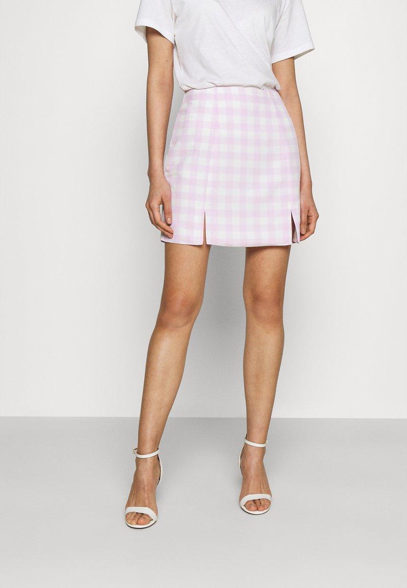 Glamorous - MAYA HIGH-WAISTED SKIRT WITH FRONT SIDE SPLITS - Mini skirt - lilac