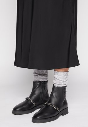 MELA  - Kotníkové boty - black