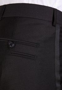 Tiger of Sweden - TERRISS TUXEDO PANTS - Suit trousers - black - 4