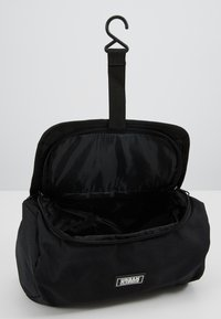 Urban Classics - COSMETIC POUCH - Wash bag - black - 5